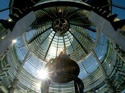 A 282 prism Fresnel lens coupled with a 1,000-watt high powered electrical bulb emits light seen for 20+ nautical miles. Originally, a kerosene Incandescent Oil Vapor (I.O.V.) lamp was installed.